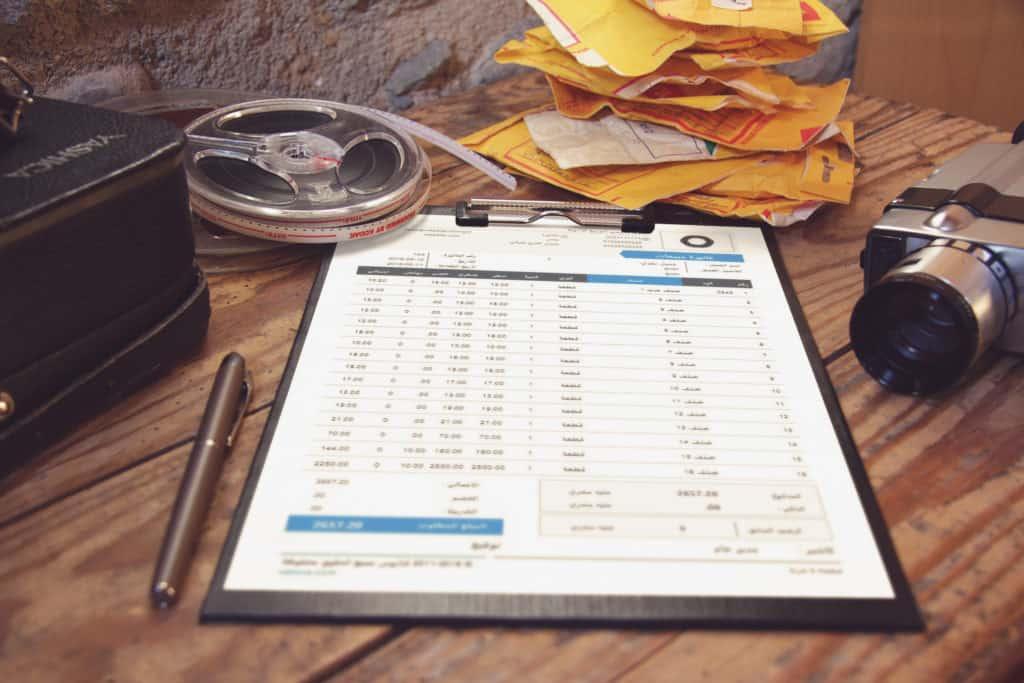 Free-Vintge-Folder-Mockup-2-1024x683.jpg